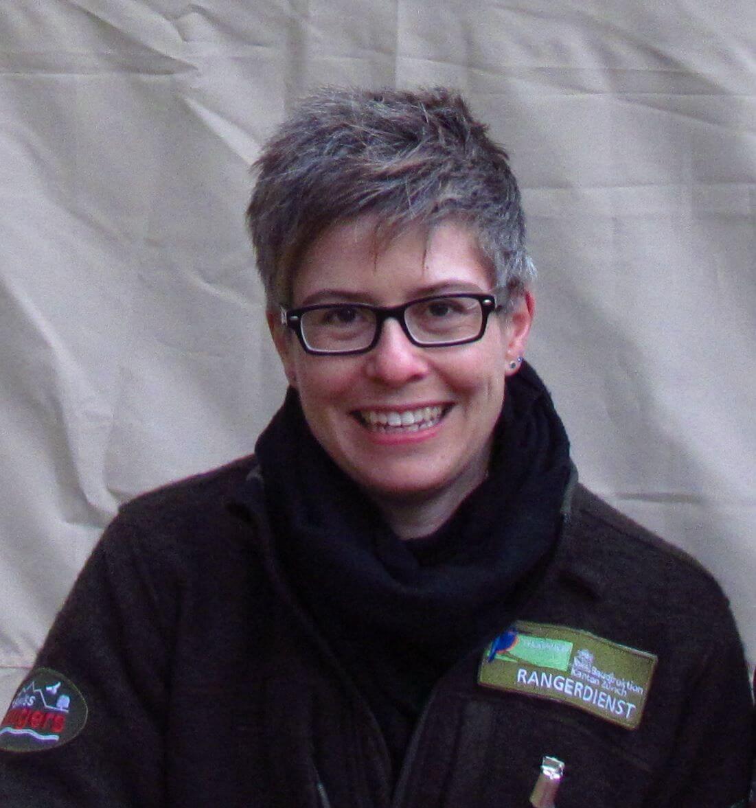 Das Bild zeigt Madeleine Gersbach mit Ranger Uniform.